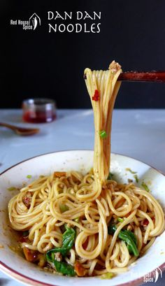 A classic Chinese noodle dish. Down-to-earth and super tasty. Make Dan Dan noodles in 20 minutes and enjoy this street food wonder.