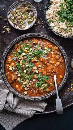 Lamb Tagine Slow Cooker, Lamb Tagine Recipe, Tagine Cooking, Slow Cooker Lamb Recipes, Lamb Casserole Recipes, Moroccan Tagine Recipes, Moroccan Lamb Tagine, Moroccan Dishes, Moroccan Lamb Recipe