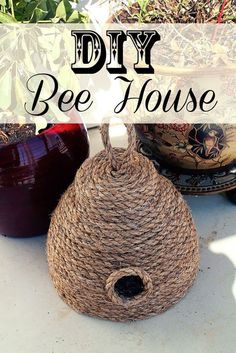 15 Awesome DIY Gift Ideas and Tutorials for Gardeners 2018 DIY Bee House for Your Spring Garden. Bee Crafts, Garden Crafts, Garden Projects, Farm Projects, Bee House, Bee Skep, Bee Party, Bee Theme, Save The Bees