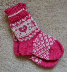 "NORWEGIAN Scandinavian Hand Crafted 100% wool socks, kids, children, folk art, Fair isle, 6"""