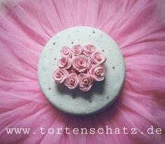 Rose cake by www.tortenschatz.de