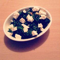 Yesterday dinner :) #bakedchicken #spinach #feta #sessame #goodies #proteins