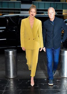 """Gigi Hadid News on Twitter: """"Gigi out and about in New York, April 25th.… """""""