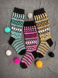 Fair Isle Knitting Patterns, Knit Or Crochet, Knitting Socks, Yarn Crafts, Sock Shoes, Knitting Projects, Handicraft, Winter Fashion, Handmade Items
