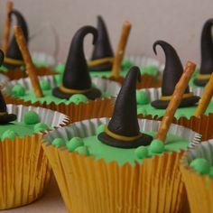 heksenhoed in heksenketel cupcakes