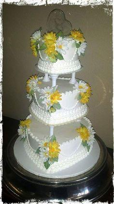 Wedding Cakes Bling Wedding Cakes, Heart Wedding Cakes, Wedding Cake Roses, Themed Wedding Cakes, Amazing Wedding Cakes, Elegant Wedding Cakes, Amazing Cakes, Pretty Cakes, Beautiful Cakes