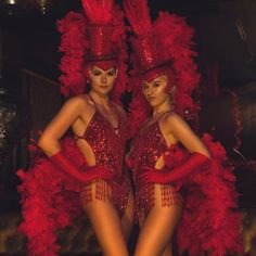 Showgirl Costume, Vegas Showgirl, Las Vegas Show Girls, Burlesque Party, Carnival Fashion, Circus Outfits, Vegas Shows, First Event, Christmas Ad