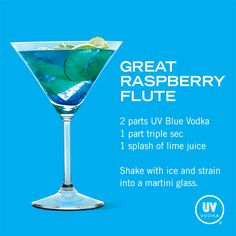 UV Blue Vodka Recipe: Great Raspberry Flute needs triple sec Liquor Drinks, Vodka Drinks, Martinis, Cocktail Drinks, Alcoholic Drinks, Beverages, Blue Drinks, Fancy Drinks, Mixed Drinks