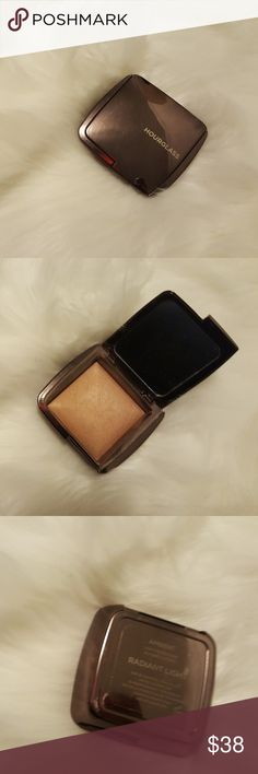 Hourglass Ambient Lighting Powder in Radiant Light Face highlighter. Gives a pretty all over glow. Gently used. Hourglass Cosmetics Makeup Luminizer