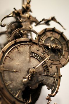 Welcome to the World of Steampunk Imagine a high-tech world where the machines were powered by steam and clockwork mechanisms replaced electronics. Chat Steampunk, Mode Steampunk, Steampunk Clock, Steampunk Design, Sextant Tattoo, Clock Tattoo Design, Clock Tattoos, Watch Tattoos, Mechanical Clock