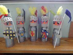 """Vijf handpoppen rond het versje ; """"vijf ridders..."""""""