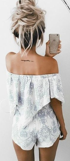 TROP belle tenue printanière Matching Set, Trendy Summer Outfits, Tattoo Designs For Women, Must Haves, Off Shoulder Blouse, Rompers, Drinks, Pattern, Bikinis