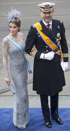 The Spanish Princess Letizia (in a dress from designer Felipe Varela and a hat from María Nieto ) and Prince Felipe