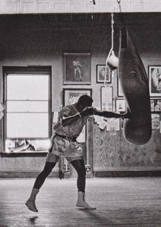 Now that's inspiration Muhammad Ali, 1966 Muhammad Ali Boxing, Muhammad Ali Quotes, Mma Boxing, Boxing Workout, Boxing Live, Boxing Club, Gym Workouts, Fit Girl Motivation, Fitness Motivation