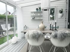 Raining outside? ☔️ No problem when you have this room to enjoy 😀🙌 Wish you a great day darlings! Garden Entrance, Porch Garden, Backyard Patio, Home Design Decor, Patio Design, House Design, Home Decor, Outdoor Rooms, Outdoor Living