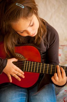 What Child Acoustic Guitar to Buy?