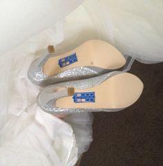 Nerdy way to get something old something new something borrowed and something blue at the wedding. Tardis on the shoe