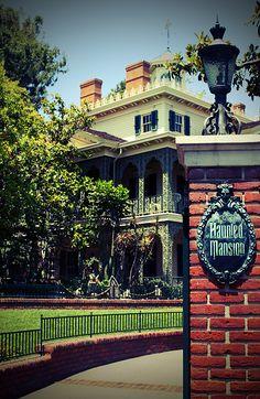 Haunted Mansion -- Disneyland