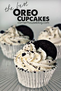 The Best Oreo Cupcakes! Easy Oreo Dessert Recipe - always my favorite treat! The Best Oreo Cupcakes! Easy Oreo Dessert Recipe - always my favorite treat! Oreo Dessert Easy, Oreo Dessert Recipes, Just Desserts, Delicious Desserts, Yummy Food, Homemade Cupcake Recipes, Dessert Cups, Best Easy Cupcake Recipe, Cupcake Recipes From Scratch