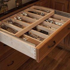 Kitchen Design Ideas, Pictures, Remodeling and Decor  cozinha organização gaveta armazenar talheres faqueiro