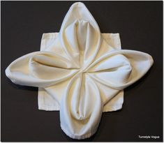 Learn how to fold a beautiful napkin for an elegant dinner party or just for fun! Here are 17 napkin folding step-by-step tutorials that are sure to wow your… Christmas Napkin Folding, Christmas Napkins, Christmas Crafts, Christmas Ideas, Xmas, How To Make Snowflakes, Elegant Dinner Party, Snowflake Craft, Deco Table