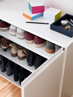 Storage Stool, Shoe Storage, Walk In Closet, Shoe Closet, Ikea Pax, Cool Ideas, Mudroom, Scandinavian Design, Shoe Rack