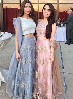Bridesmaid Dresses to give all you Indian Bridesmaids out there tons of inspiration for the upcoming Wedding Season! Indian Bridesmaid Dresses, Indian Gowns Dresses, Bridesmaid Outfit, Indian Wedding Outfits, Pakistani Outfits, Indian Outfits, Indian Weddings, Indian Wedding Bridesmaids, Bridesmaid Saree