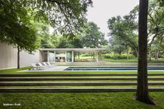 Philip Johnson built this massive home which was completed in 1964. The home was commissioned by Henry C. Beck Jr. and his wife, Patricia, in Dallas.