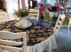 Sew an Easy Round Table Cloth