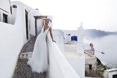 """Collezione sposa Julie Vino 2016 che porta il nome di """"Santorini"""""""