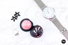 EOS Shimmer lippenbalsems -Natuurlijke ingrediënten met glossy finish. lippenbalsem, lippen, lips, lipbalm, shimmer, Eos, lipbalm, lippenbalm, lippenzalf, roze, glitters.