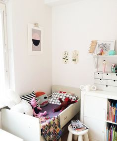 Seventy Tree 'Circular' print in the Minimockspetra's Room Tour