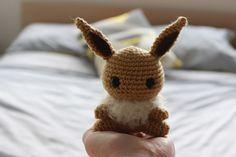 Pokemon Evoli häkeln.     Anleitung Kostenlos  Englisch  Online verfügbar     zur Anleitung:  Klick Hier  Übersetzt : Klick Hier