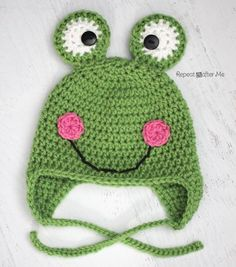 Here is the free Crochet Frog Hat Pattern! You could make a little crown for a frog prince or a red tongue sticking out of the mouth. Or just leave it plain for a quick and easy project! http://www.repeatcrafterme.com/2014/03/crochet-frog-hat-pattern.html