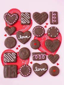 Valentines sugar cookies - box of chocolates! Valentine Desserts, Valentines Baking, Valentine Chocolate, Valentines Day Cookies, Valentines Recipes, Kids Valentines, Valentine Treats, Holiday Treats, Chocolate Sugar Cookies