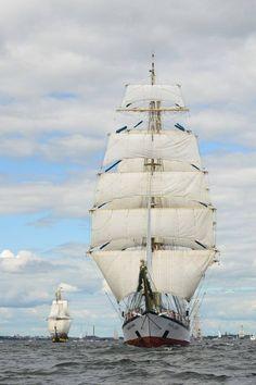 'Fryderik Chopin', tall ship. Marynistyka.org, Marynistyka.pl