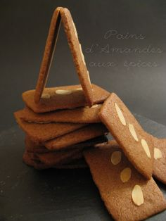 Pains d'Amandes aux Epices Biscuit Cookies, No Bake Cookies, Scones, Kinds Of Cookies, Mousse Cake, Freshly Baked, Cookie Jars, Biscotti, Christmas Cookies