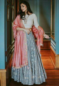 New Bridal Lehenga Color Combinations Bollywood 64 Ideas Indian Fashion Dresses, Indian Bridal Outfits, Indian Gowns Dresses, Dress Indian Style, Indian Designer Outfits, Designer Ethnic Wear, Indian Fashion Trends, Indian Bridal Fashion, Designer Dresses