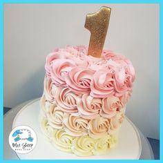 Birthday Cake Roses, 1st Birthday Cake For Girls, 1st Birthday Cupcakes, Buttercream Birthday Cake, Birthday Ideas, Pink Smash Cakes, Baby Cake Smash, Baby Girl Cakes, Ombre Cake