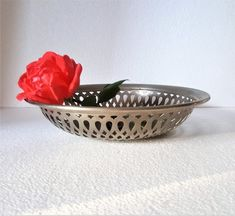 Antique Items, Fruit, Vintage Metal, Country Style, Photo Art, Kitchen Dining, Decorative Bowls, My Etsy Shop, Tray