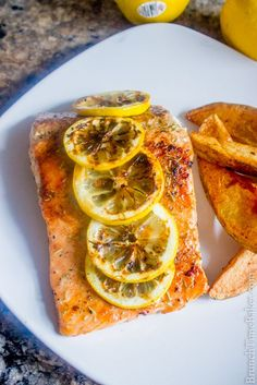 Grilled Salmon With Lemon and Herbs Mediterranean Grilled Salmon With Lemon and Herbs - Brunch Time BakerMediterranean Grilled Salmon With Lemon and Herbs - Brunch Time Baker Herb Recipes, Fish Recipes, Seafood Recipes, Italian Recipes, Cooking Recipes, Healthy Recipes, Baker Recipes, Drumstick Recipes, Tilapia Recipes