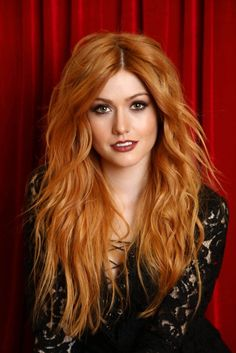 20 Short Spiky Hairstyles For Women Katherine McNamara Supports Girl Up SchoolCycle Campaign: Photo Katherine McNamara looks stunning as she flings a deck of cards in an image from a new photo shoot. Earlier this week, Shadowhunters actress attended… Katherine Mcnamara, Beautiful Red Hair, Beautiful Redhead, Gorgeous Teen, Beautiful People, Short Spiky Hairstyles, Red Hair Woman, Redhead Girl, Strawberry Blonde