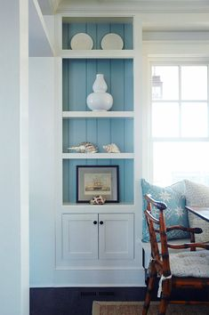 House of Turquoise: Whitney Cutler of Morrison Fairfax Interiors, a design firm located in Haverford, Pennsylvania, created a beach beauty in blue and white! y Cutler