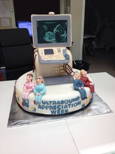 Ultrasound cake @Leilani Chacon lets make this happen :o)