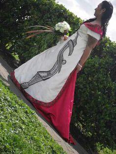 beautiful red, white, & black dress with Samoan tribal design of her groom's tattoed sleeve. Samoan Wedding, Polynesian Wedding, Island Wedding Dresses, Bridal Gowns, Wedding Gowns, Punk Costume, Island Wear, Samoan Tribal, Gala Dresses