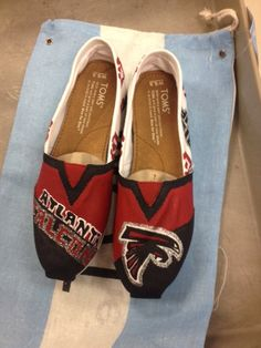 Atlanta Falcons Toms Shoes by ShoesOnFirst on Etsy Jasmine Johnson Cheap Toms Shoes, Toms Shoes Outlet, Falcons Football, Falcons Gear, Falcons Rise Up, Atlanta Falcons, Only Fashion, New York Fashion, Painted Toms