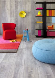 Our Pale Grey floorboards are made of French oak, meaning that our pale grey timber flooring is of the highest quality and features lovely grain characteristics. Interior Exterior, Home Interior, Interior Styling, Interior Design, Timber Flooring, Grey Flooring, Flooring Ideas, Grey Floorboards, Royal Oak Floors