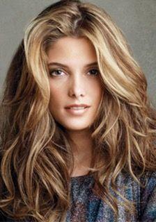 Colore capelli bronde Pettinatura capelli lunghi mossi