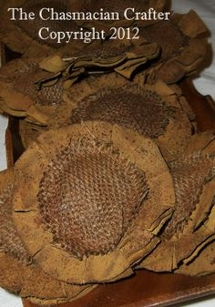 Primitive Sunflower handcrafted at The Chasmacian Crafter Cloth Flowers, Burlap Flowers, Fabric Flowers, Material Flowers, Primitive Fall, Primitive Crafts, Primitive Christmas, Potpourri, Burlap Crafts