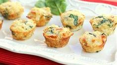Healthy spinach, cheese and egg white quinoa bites that are packed with protein. A great way to start your morning!